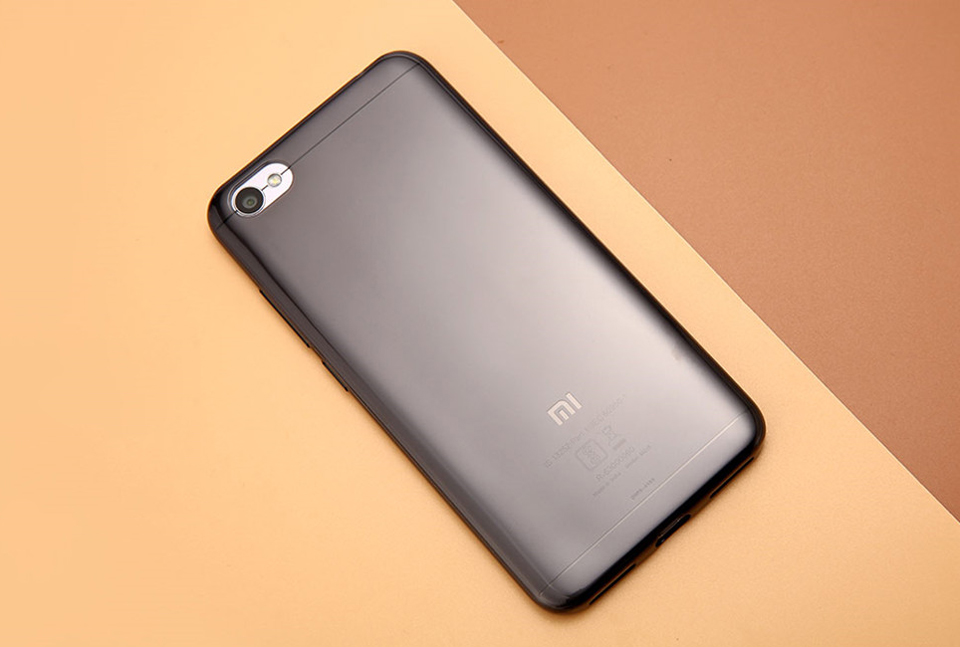 Чохол бампер TPU Case Xiaomi RedMi Note 5A Clear ORIGINAL 1173100060 крупним планом