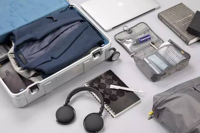 Smart Metal Suitcase Silver розумна валіза